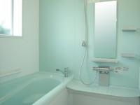 冬場でも暖かい身体に優しい浴室です。