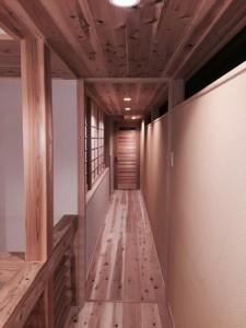 リビングと廊下はドア無しで一体のため室内空気環境を一体で調整します。