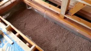 床下調湿珪藻土