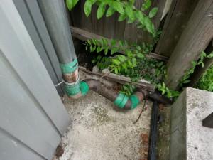 交換する前の雨樋