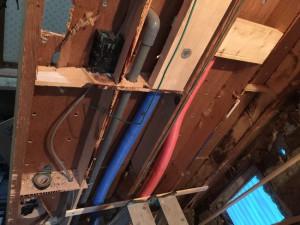 壁内お湯水配管