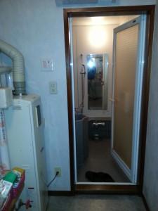 浴室と洗面室に段差がありました。