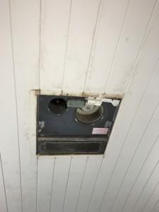 老朽化した浴室換気乾燥暖房器