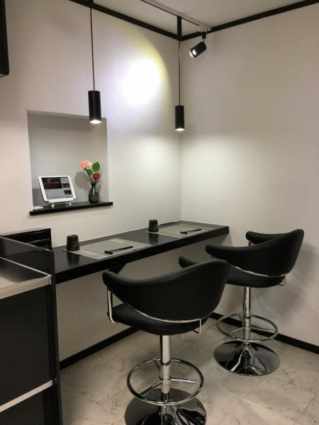 キッチン脇に食事スペースを作りました