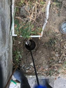 それぞれの排水枡から高圧洗浄をかけます