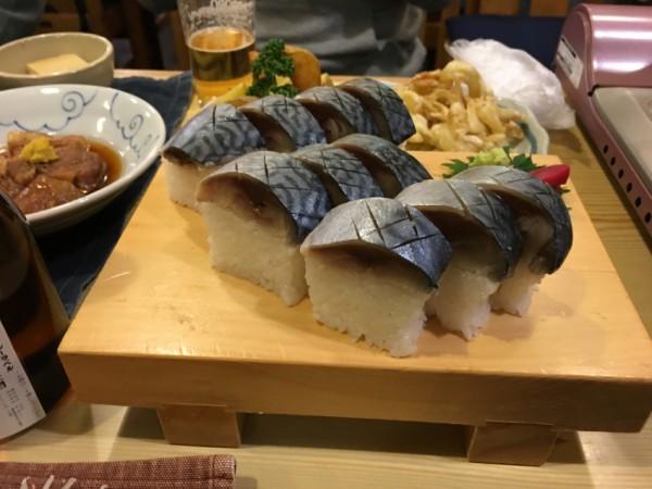 ここの名物と言えば、サバの棒寿司です