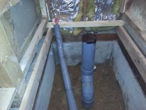 トイレの給水の位置を変更します。 トイレの排水の位置を変更します。