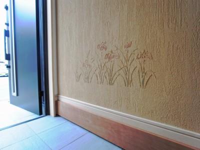 珪藻土で菖蒲の花を描いた。